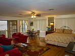 Large comfortable flat with wonderful views of the Sedona Verde Valley