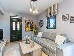 Modernly designed, tastefully decorated, high standards' Villa!