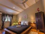 Chambre 2 - étage - lit 160 qualité hôtellerie