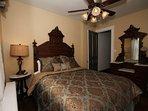 Bedroom #3-- (back bedroom) queen bed, TV
