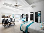 Apartment/suite #6 King size bed kitchenette en-suite bath additional Queen size Murphy bed