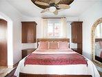 Bdrm/suite #2 King size bed en-suite bath