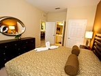 Large king master suite w/flat panel tv