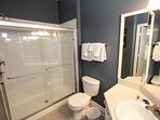 En-Suite to King Master Bath w/Walk In Shower