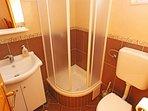 Naranca (2): bathroom with toilet