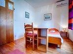 R1(2): bedroom
