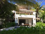 Nah Saastal: beautiful beachfront villa in a quiet bay in Tulum, Mexico