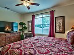 2nd King Master Suite with 60' SmartTv, bath, walk-in closet and wood floors