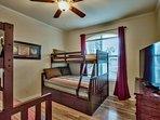 3rd Bedroom: 2 bunks (twin/full), 60' SmartTv, wood floors, & walk-in closet