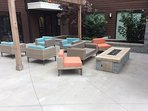 Community Lounge: Firepit by the pool