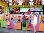 Plenty of family-friendly fun, with arcades and boardwalk games!