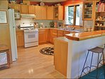 Fully Equipped Kitchen & Breakfast Bar