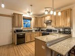 This kitchen has everything you need to prepare and enjoy breakfast, lunch and dinner with a complete range of...