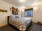Master w King Bed / Private north facing balcony / En Suite Bathroom / Walk In Closet