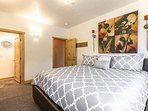 Just 5 minutes from the base of Park City Mountain, this comfortable and fully-furnished 3 bedroom condo is ideal for...