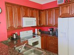 Fully equipped kitchen - cook full family meals, or just mix your favorite drinks! ))