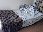 Full bed - Sierratone Spring Bed