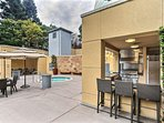 Outdoor Cucina and Hot Tub