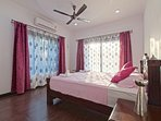 Spacious and Luxurious bedroom villa for rent