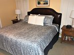 Large master bedroom with King size bed and NEW comforter!