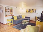 Mid-Century Modern Basement Apartment. Walkable to Old Town, 4 blocks to CSU.Private entrance & yard