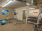 A fitness room for those who like to sweat!