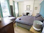 Ravensbourne House / Bedroom with Ensuite / Ground Floor