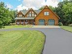 NEW! 'Lost Pond Lodge' 4BR Lake Mills Log House