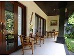 sitting area/balcony