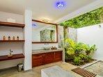 Open air bathroom - Room Nanda