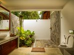 Open air bathroom - Room Lalith