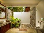 Open air bathroom - Room Lalith