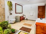 Open air bathroom - Room Praneetha