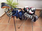 2 sets of Men's RH Clubs