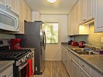 Fully stocked kitchen, ice and filtered water, BBQ stove top, utensils, spices