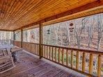 Front deck facing Fie Creek
