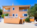 Modern 4 bed villa just 5 mins drive from Silves