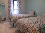 Dormitorio pequeño con 2 camas individuales