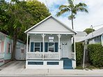 Almost Southernmost- Private Hot Tub - Half Block To Duval St. Sleeps 6