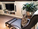 TV Recliner and 32' flat screen, LED TV