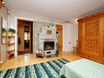 Ground floor with air-air condition and fireplace, kitchen corner WC and shower and sauna.