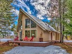 Tahoe Chalet in perfect location between beach and Heavenly!