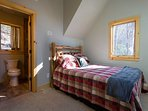 Upstairs bedroom w/queen w/ private bath