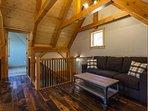 Upstairs loft w/ pull out sleeper sofa