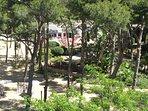 El parque de Salou visto de una de las terrazas.