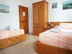 Third Bedroom - twin beds