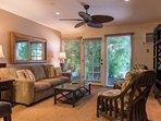 Spacious accommodations / Cozy decor - Lahaina town - Aina Nalu Resort