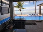 Splash μπαρ είναι ανοιχτό στο Out of the Blue Φίτζι για τους επισκέπτες στο σπίτι.