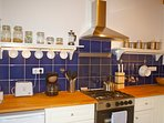Kitchen with gas cooker & oven