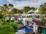 Casa India Ibiza: 6 double bedroom luxury villa sleeping 12 in Roca Llisa, Ibiza